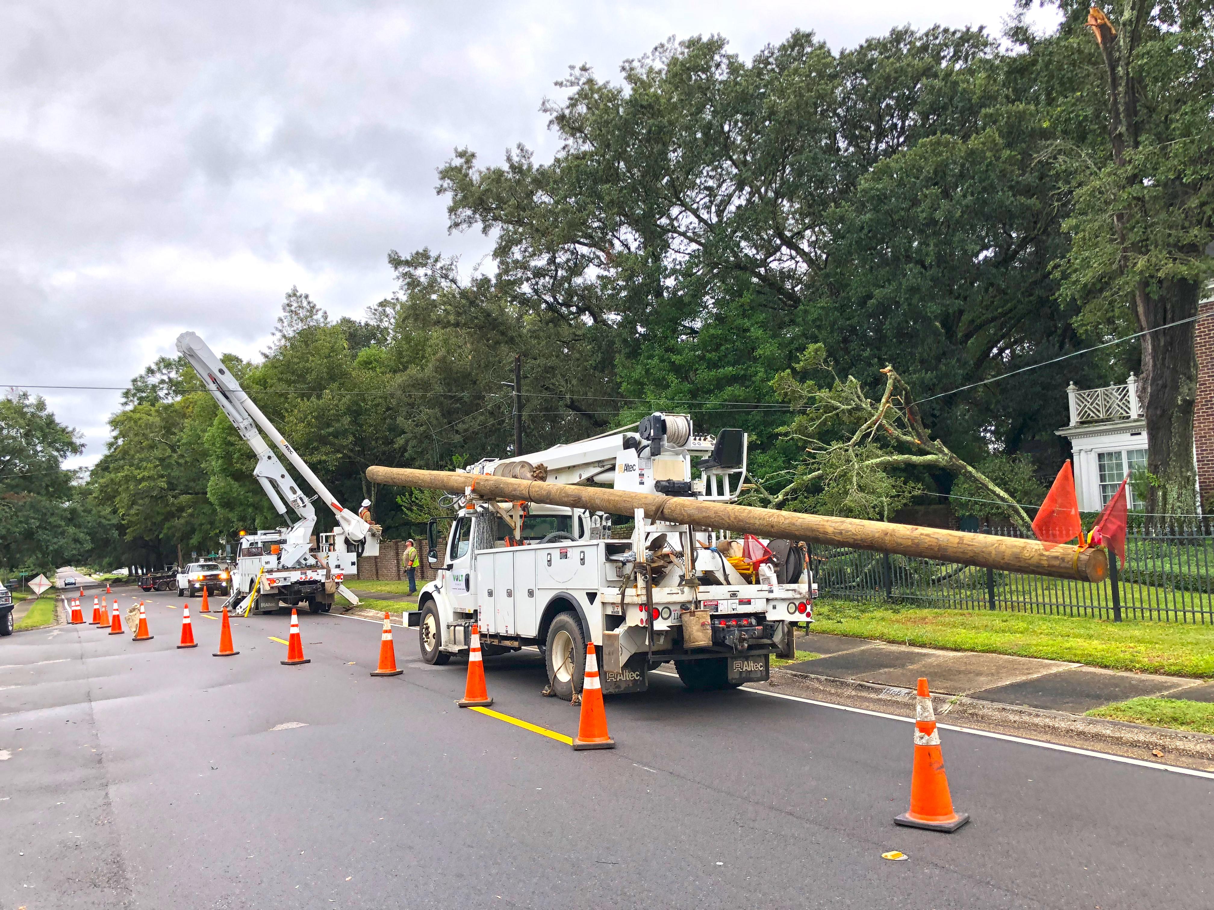 Gulf Power crews begin rebuilding after Hurricane Michael