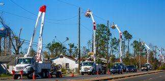 Gulf Power crews restoring power on MLK Blvd. in Panama City, Florida